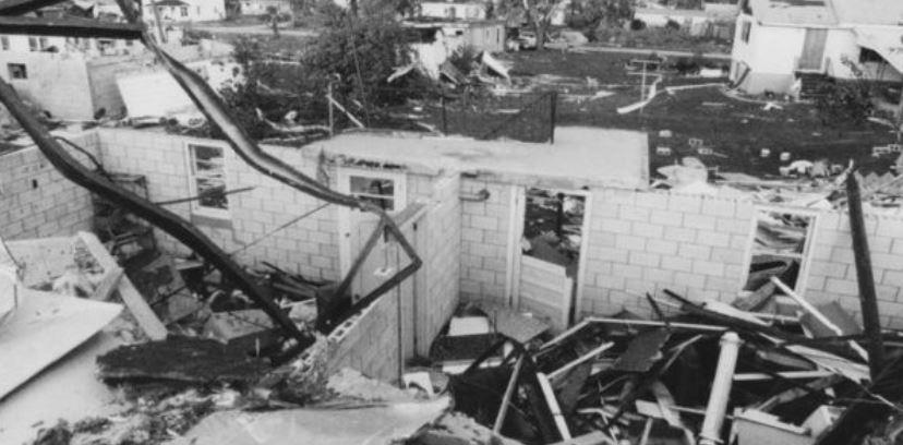 10 самых разрушительных и страшных торнадо и смерчей