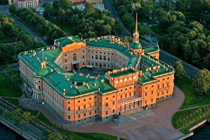 Самые красивые дворцы и замки России: Топ-10