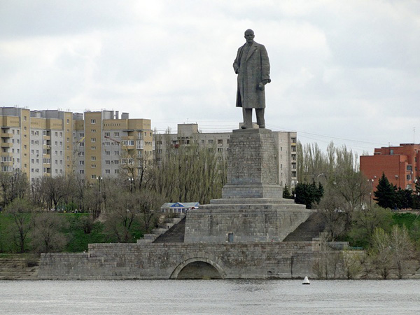 Топ-10 самых высоких памятников России