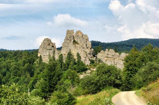 В сети бьёт рекорды пост про самые красивые места Украины