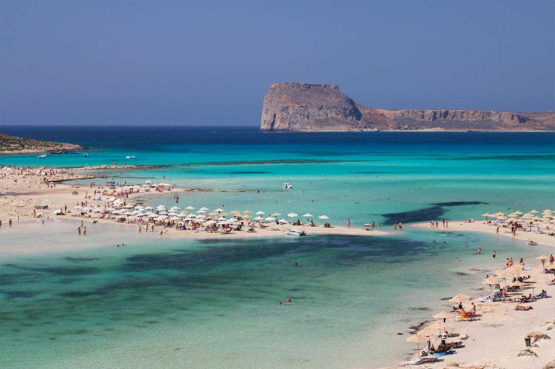 Самые большие острова в Средиземном море: Топ-10