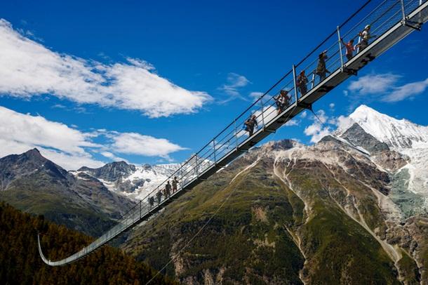 Топ самых необычных и живописных мостов мира