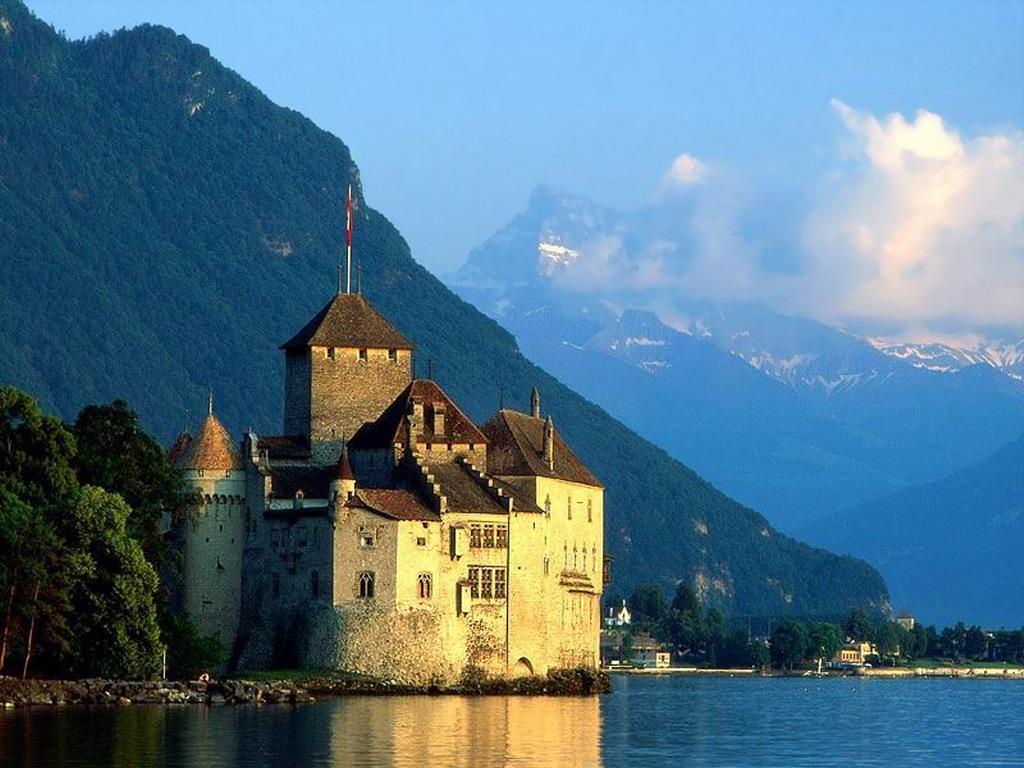 Топ-10 самых красивых замков Швейцарии